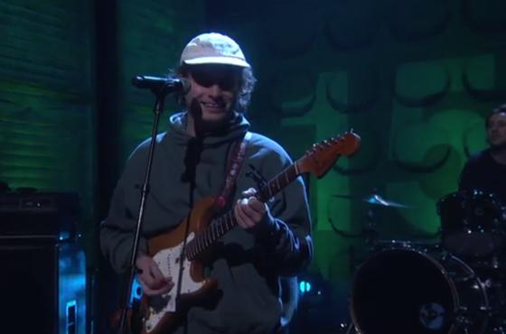 Mac DeMarco 'Let Her Go' (live on 'Conan')