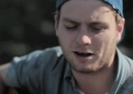 "Mac DeMarco ""Young Blood"" (acoustic version) (video)"