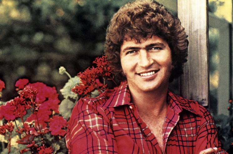 Country Star and Elvis Presley Songwriter Mac Davis Dies at 78