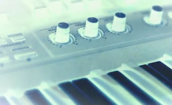 The Magnetic Fields ''81 How to Play the Synthesizer' (video)