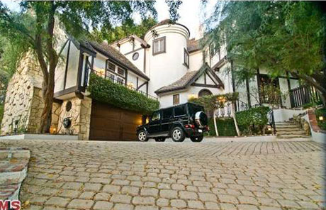 Ronnie James Dio, Kanye West and Michael Jackson Top List of Musician Mansions for Sale