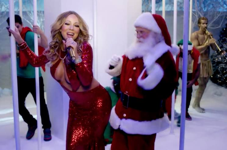 "Mariah Carey  ""Here Comes Santa Claus (Right Down Santa Claus Lane)"" (video)"