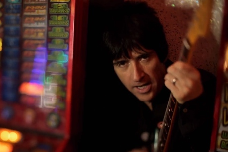 "Johnny Marr ""Easy Money"" (video)"