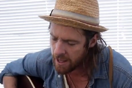 "Matt Mays Performs ""Chase the Light"" on Exclaim! TV"