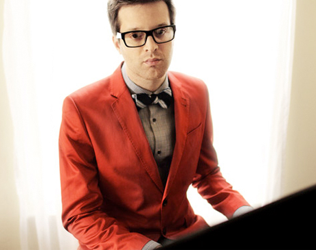 "Mayer Hawthorne ""Christmas Time Is Here"" (Vince Guaraldi cover)"