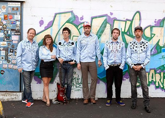 Will Oldham and Angel Olsen Reveal Mekons Covers Album as Chivalrous Amoekons