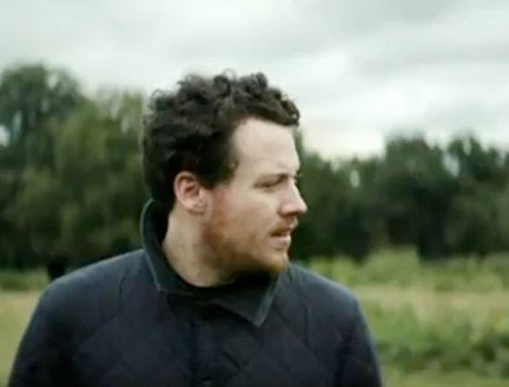 "Metronomy ""Everything Goes My Way"" (video)"