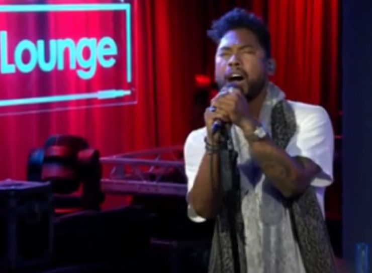 "Miguel ""Hey"" (Slaves cover) (live video)"