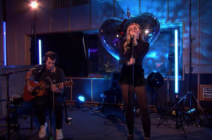 "​Watch Miley Cyrus and Mark Ronson Cover Ariana Grande's ""No Tears Left to Cry"""