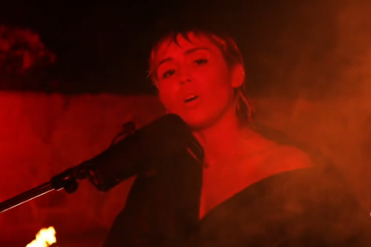 "Watch Miley Cyrus Cover Pink Floyd's ""Wish You Were Here"""