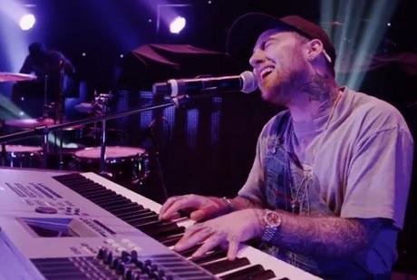 """Mac Miller """"Youforia"""" (live video)"""