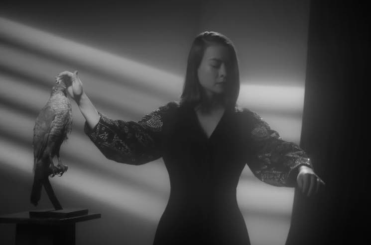 ​Mitski Shares Striking Black-and-White 'Washing Machine Heart' Video