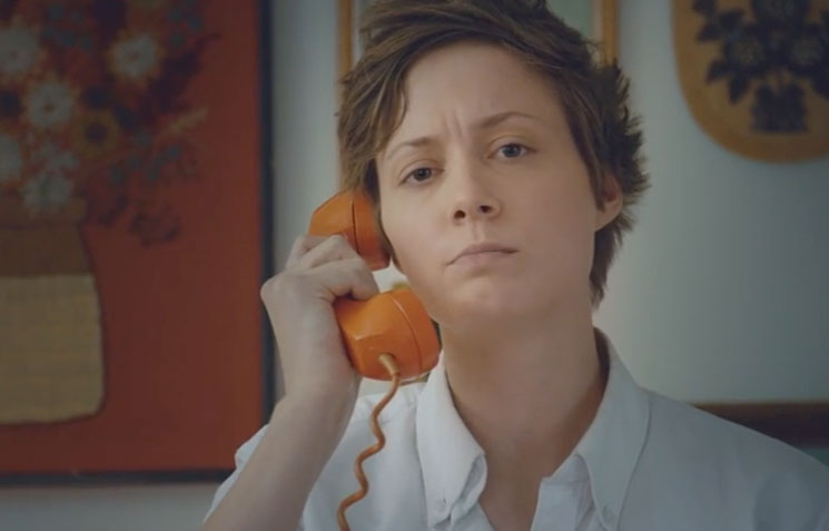 "Mo Kenney ""Telephones"" (video)"
