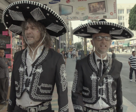"Moby ""The Perfect Life"" (ft. Wayne Coyne) (video)"