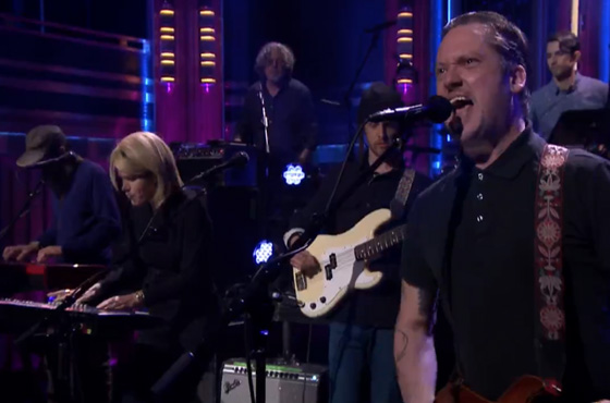 """Modest Mouse """"Lampshades on Fire"""" (live on 'Fallon')"""