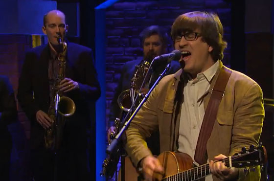The Mountain Goats 'Foreign Object' (live on 'Meyers')