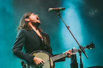 Mumford & Sons Banjoist Winston Marshall Quits Band, Blames 'Cancel Culture'