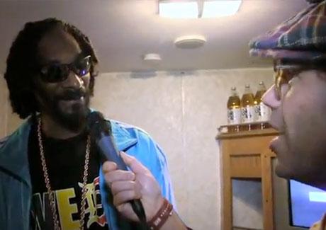 Nardwuar the Human Serviette vs. Snoop Lion