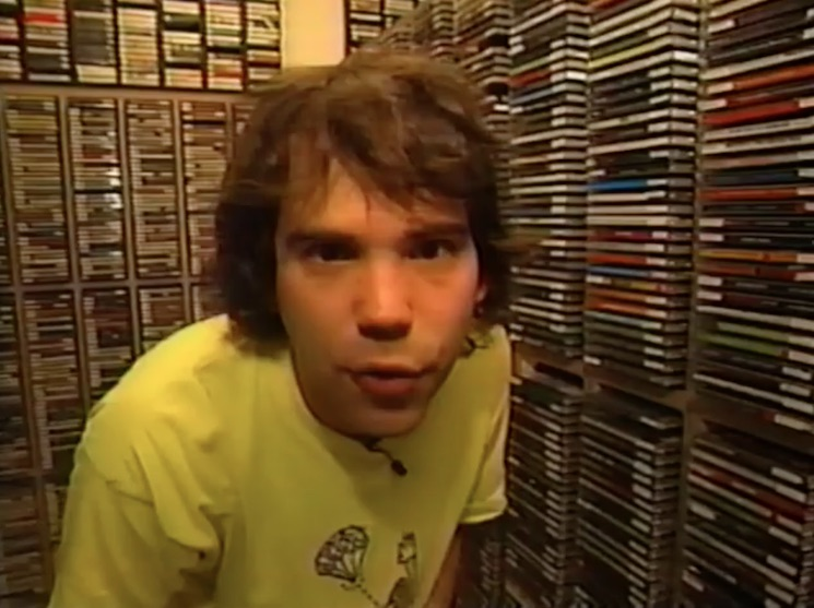 Watch Nardwuar Give a Tour of the CiTR Office in 1995