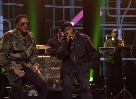 "Nas ""One Love"" / ""The World Is Yours"" (ft. Q-Tip) (live on 'Fallon')"