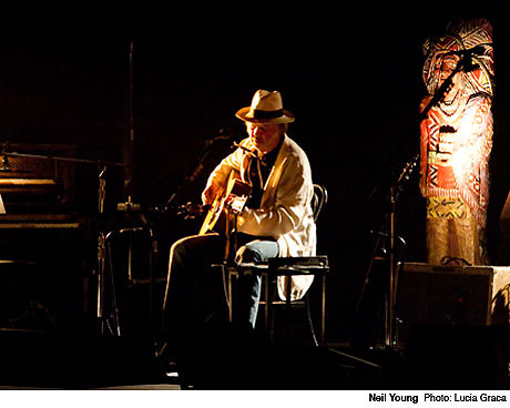 Neil Young Chastises New York Crowd for Clapping Along and Shouting Between Songs