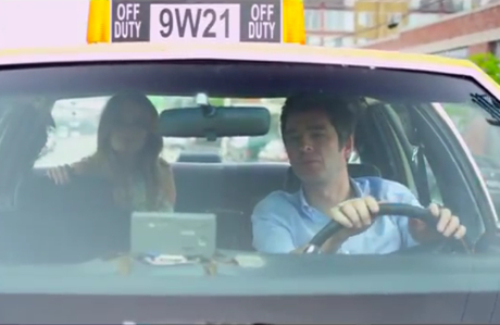 """Noel Gallagher """"Everybody's on the Run"""" (video)"""