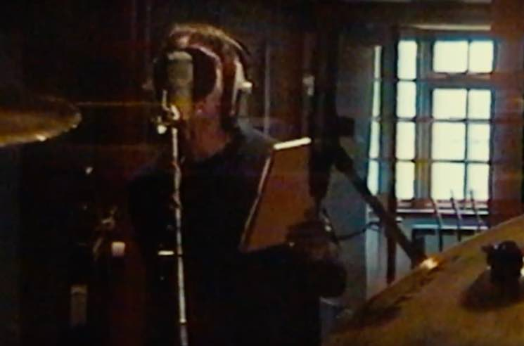 "​Watch Footage of Oasis Recording ""Champagne Supernova"" from 'Supersonic'"