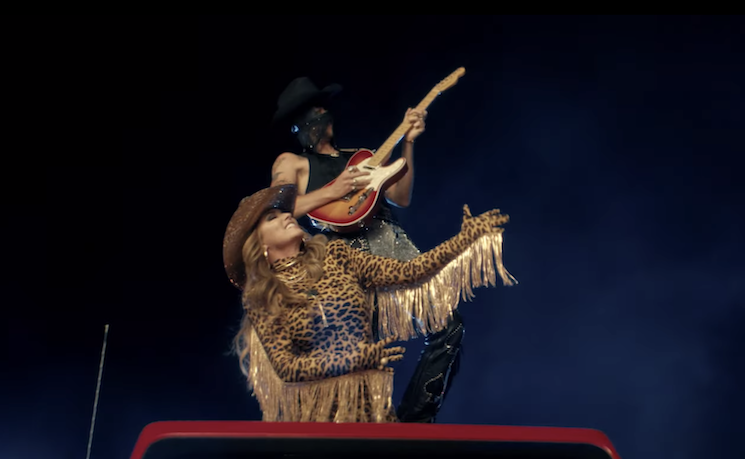 Watch Orville Peck and Shania Twain Tear Up an Outdoor Stage in 'Legends Never Die' Video