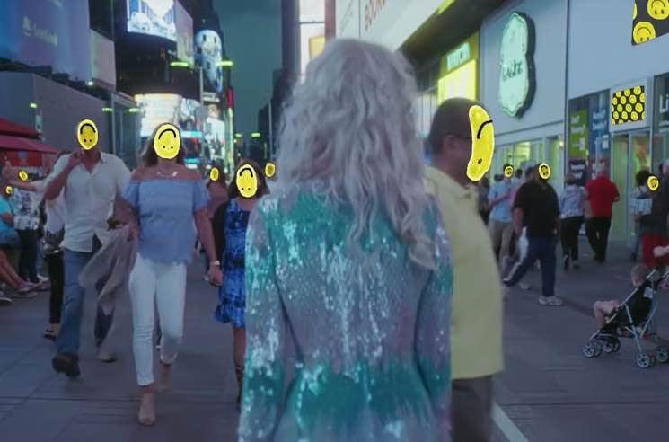 "Paramore ""Fake Happy"" (video)"