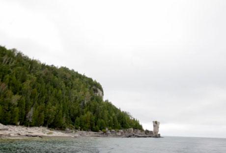 "John K. Samson, Christine Fellows and Sandro Perri ""Bruce Beckons"" (National Parks Project) (video)"