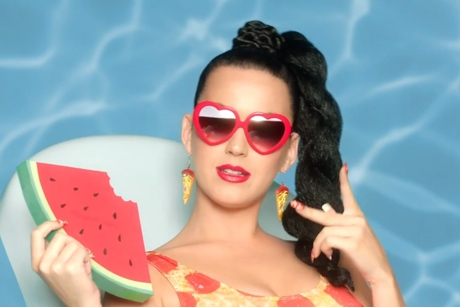 "Katy Perry ""This Is How We Do"" (video)"