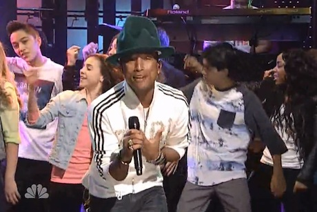 "Pharrell Williams ""Happy"" / ""Marilyn Monroe"" (ft. Hans Zimmer) (live on 'SNL')"