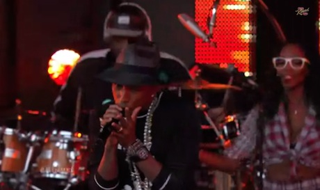 "Pharrell Williams ""Come Get it Bae"" (live on 'Kimmel')"