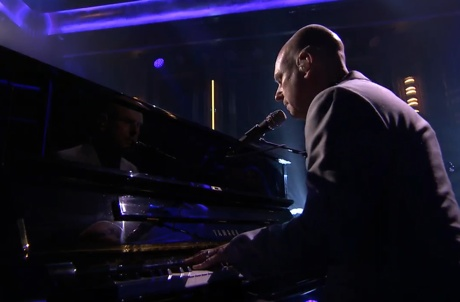 Philip Selway 'It Will End In Tears' (ft. the Dap Kings) (live on 'Fallon')
