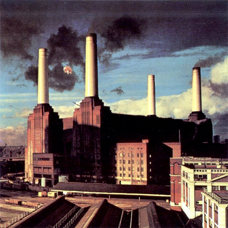 Pink Floyd's Pig Flies over London Once Again