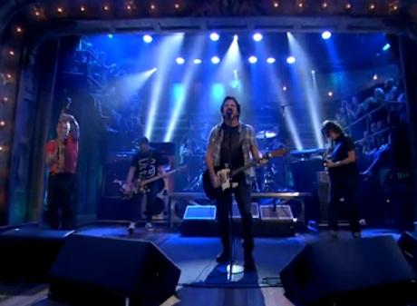 """Pearl Jam """"Lightning Bolt"""" (live on 'Fallon')"""