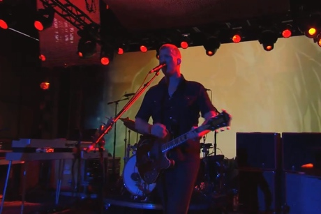"Queens of the Stone Age ""My God Is the Sun"" / ""I Sat by the Ocean"" (live on 'Kimmel')"