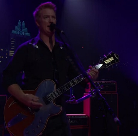 "Queens of the Stone Age ""Smooth Sailing"" (live on 'Austin City Limits')"