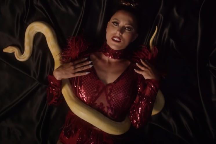 Hamilton's Raquel Kiaraa Premieres Venomous Video for 'Love Got Me Sick'