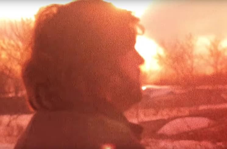 Les Revenants 'La maison d'amour en feu' (video)