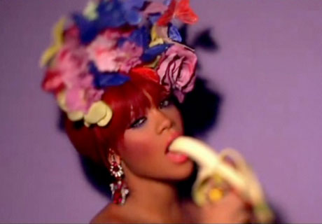 Rihanna 'S&M' (NSFW) (video)