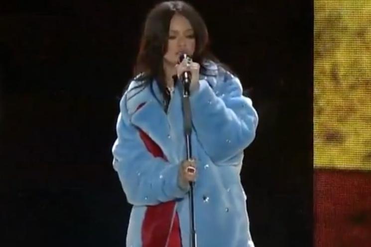 "Rihanna ""American Oxygen"" (live video)"