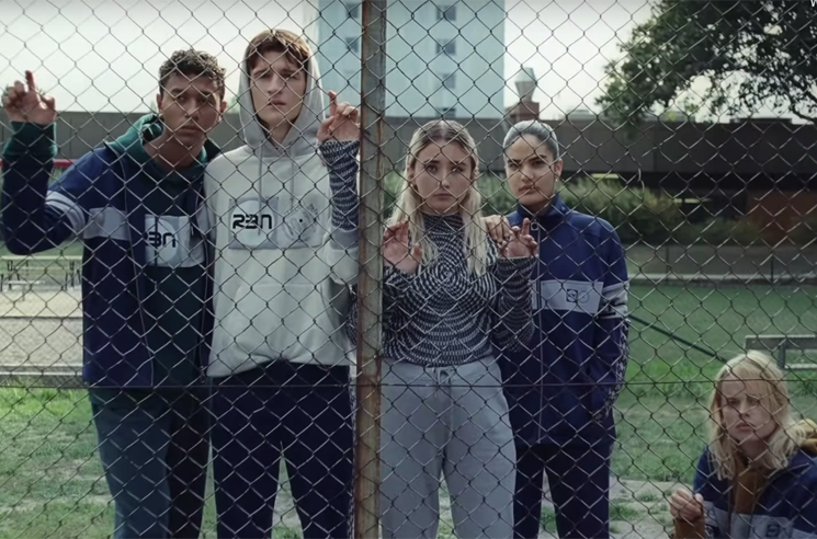 "​Robyn Debuts Gender-Neutral Clothing Line in ""Send to Robin Immediately"" Video"