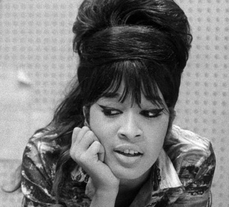 Ronnie Spector Weighs In on Amy Winehouse Death, Premieres 'Back to Black' Cover