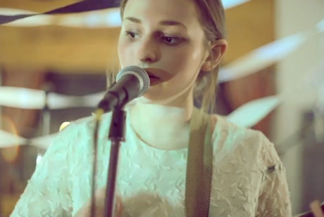"""Rosie June """"Lion on Your Side"""" (ft. Hey Ocean!) (live video)"""