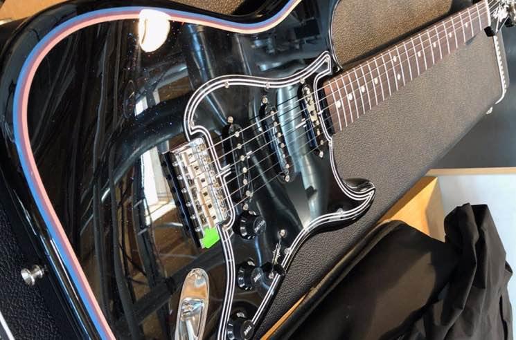 Ryan Adams Teases Signature Fender Stratocaster
