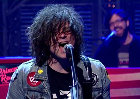 Ryan Adams 'Gimme Something Good' (live on 'Letterman')