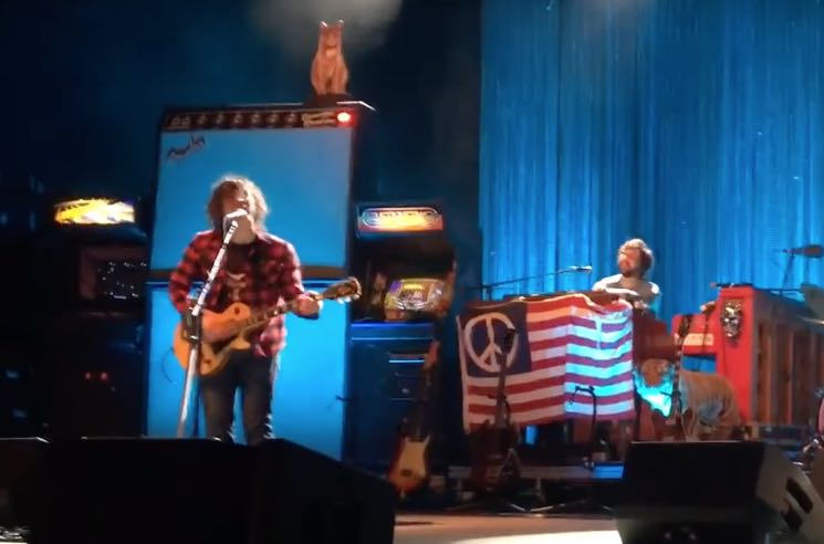"""Watch Ryan Adams Cover Oasis' """"Morning Glory"""" and """"Supersonic"""""""