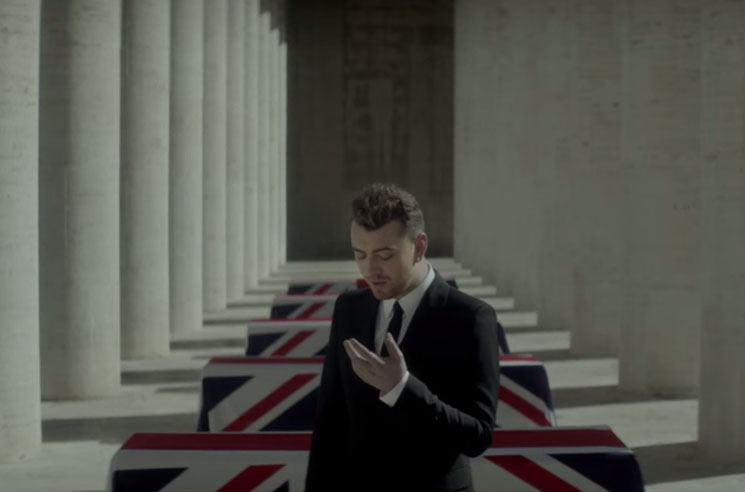 "Sam Smith ""Writing's on the Wall"" (video)"