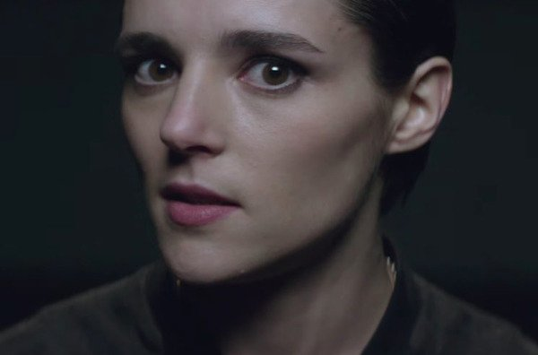 "Savages  ""Adore"" (video)"